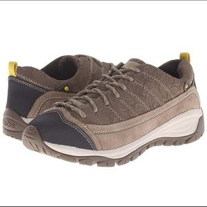 Taos Motion Shoes Embossed Suede-Natural